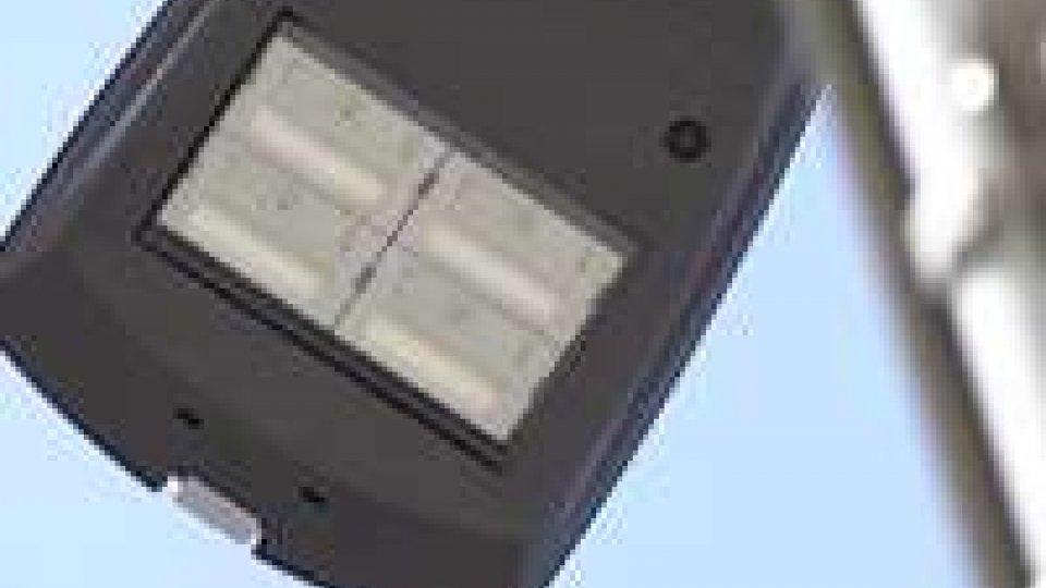 Illuminazione ledSuperstrada: addio ai vecchi lampioni, sostituiti con i led