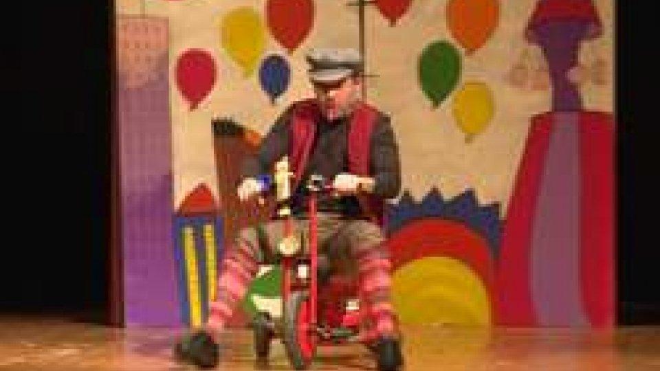 Lo spettacolo Viva PinocchioGrandi applausi al Titano per Viva Pinocchio