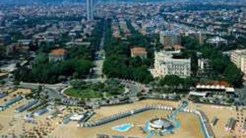 Rimini spiaggiaSpiagge: Camera ok a delega su riordino