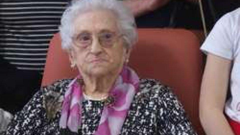 Giuseppina BarduccoFesteggiamenti secolari: a spegnere 100 candelineè la genovese Giuseppina Barducco