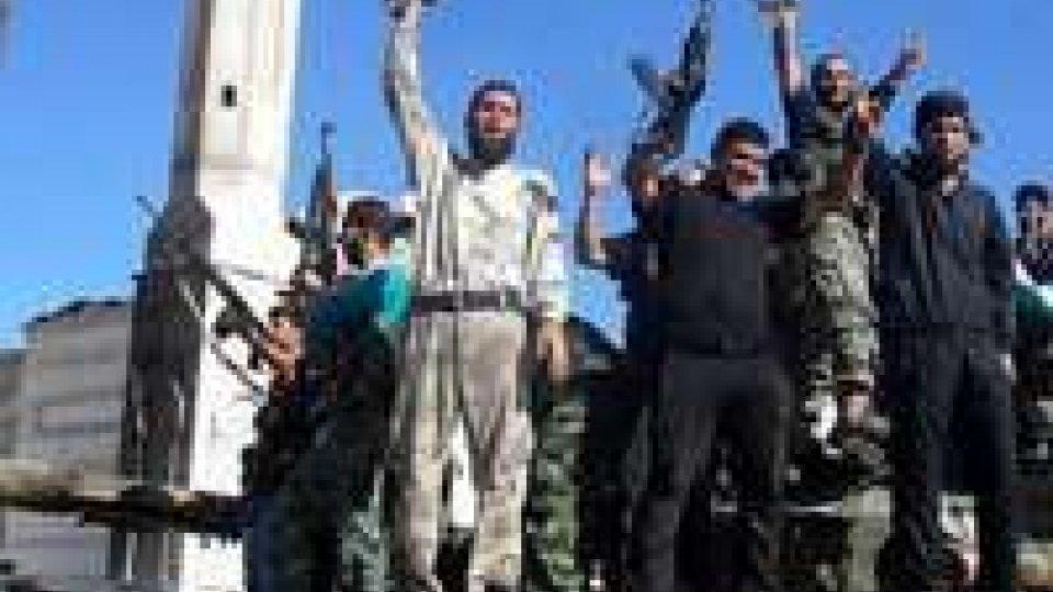 Siria: attaccata la tv di Stato