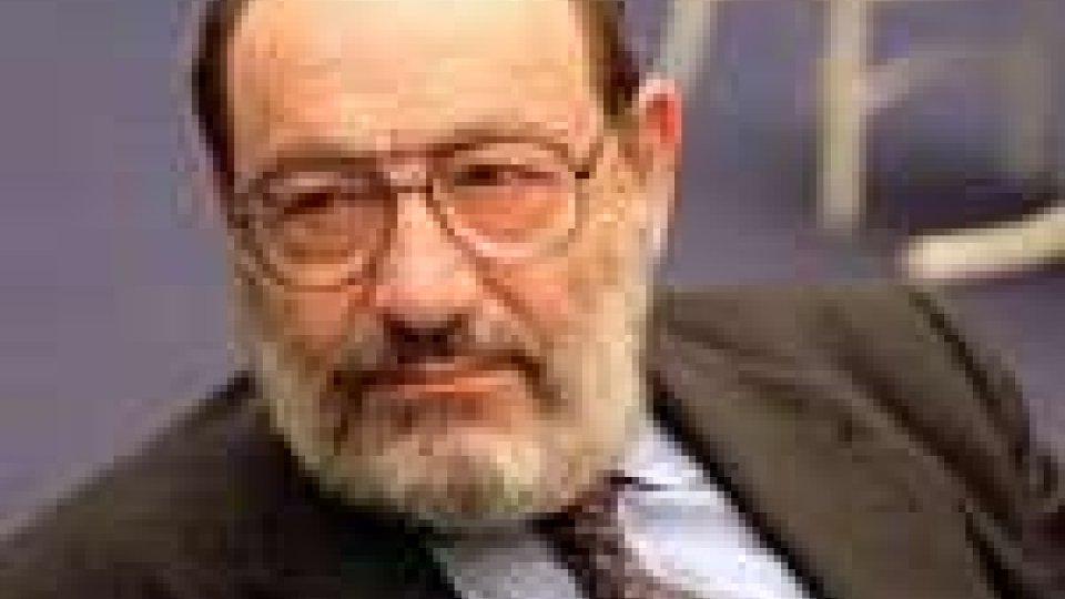 Umberto Eco: oggi Sarkozy lo decora con la massima onorificenz