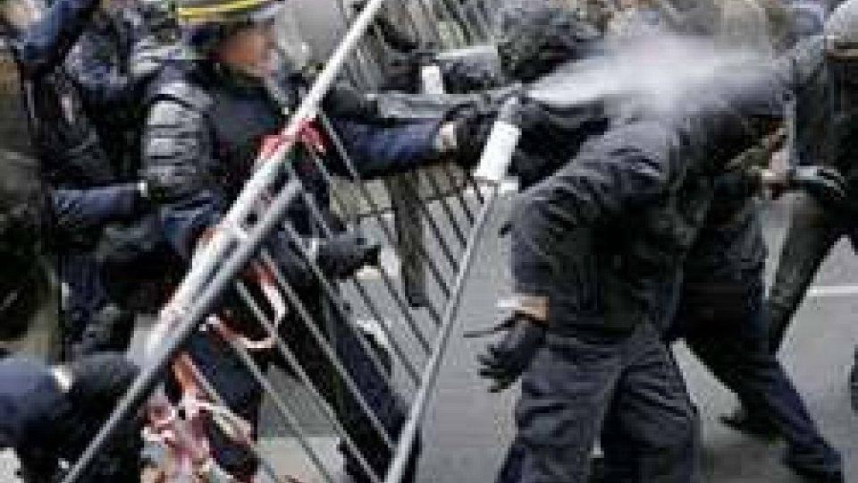 Conferenza clima: scontri in place de la République, la rabbia di Hollande