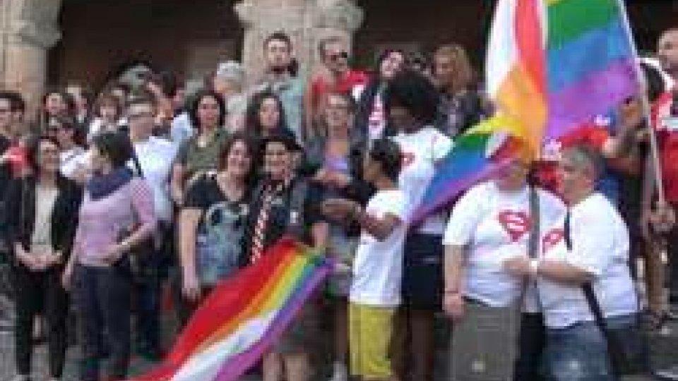Il raduno in piazza Cavour