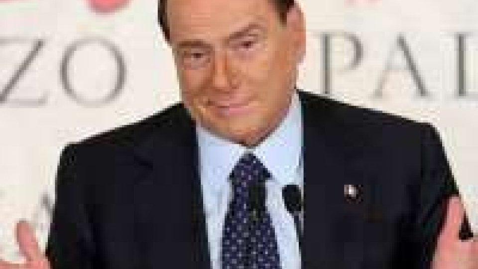 """Berlusconi: """"passo indietro se Monti si candida"""""""