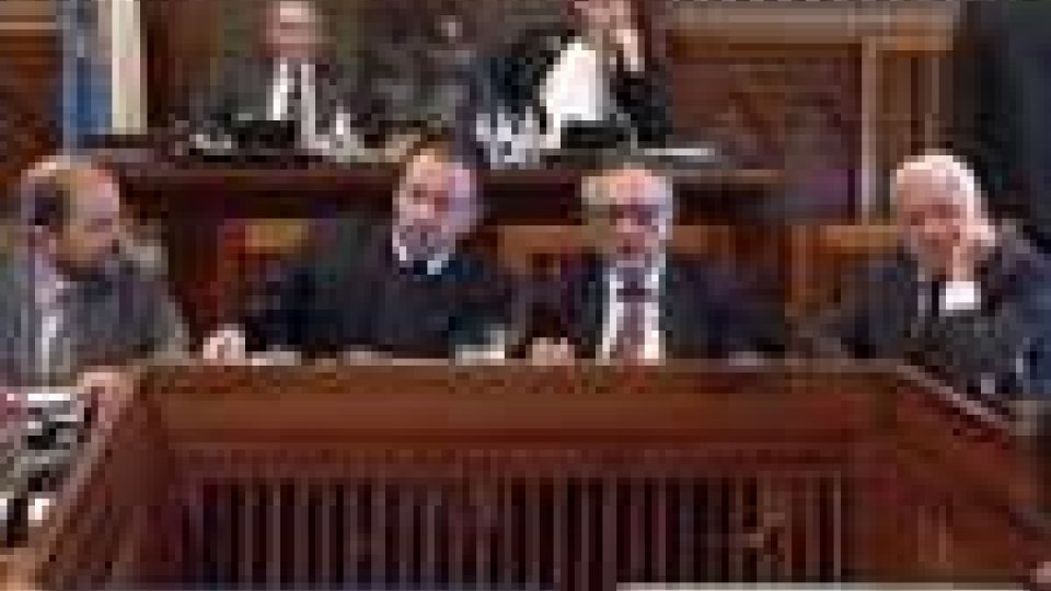 San Marino - Gelo fuori e dentro il Palazzo per questa Finanziaria 2011
