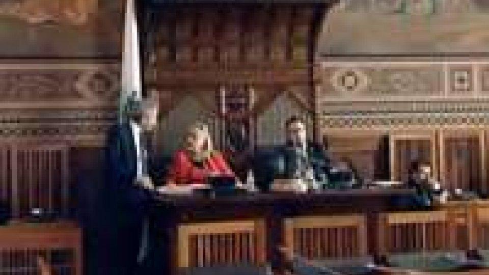 Consiglio: approvata la legge su occupazione e formazioneConsiglio: approvata la legge su occupazione e formazione