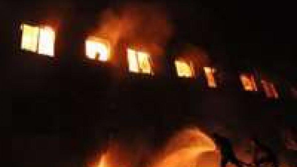 Cina: 43 morti in un incendio