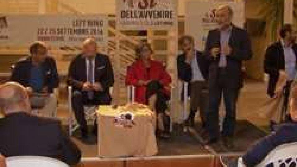 """A Rimini la festa di """"Left Wing"""" con i big del PdA Rimini la festa di """"Left Wing"""" con i big del Pd in vista del referendum costituzionale"""