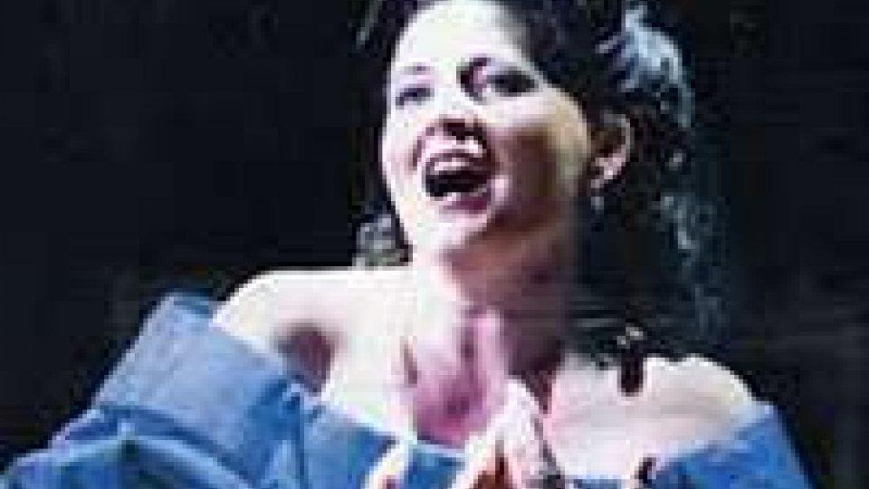 Dal rogo in Adriatico alla ribalta teatrale: è a Rimini la soprano greca del NABUCCO riminese di capodanno