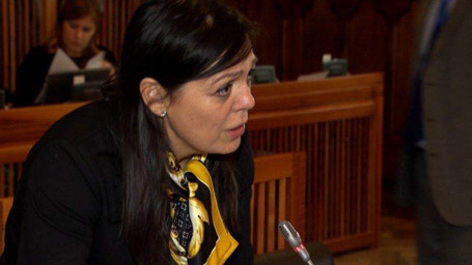 """Eva GuidiBilancio: Eva Guidi, """"ripartire dal concetto di fiducia""""; opposizione """"legge preparatoria all'indebitamento estero"""""""