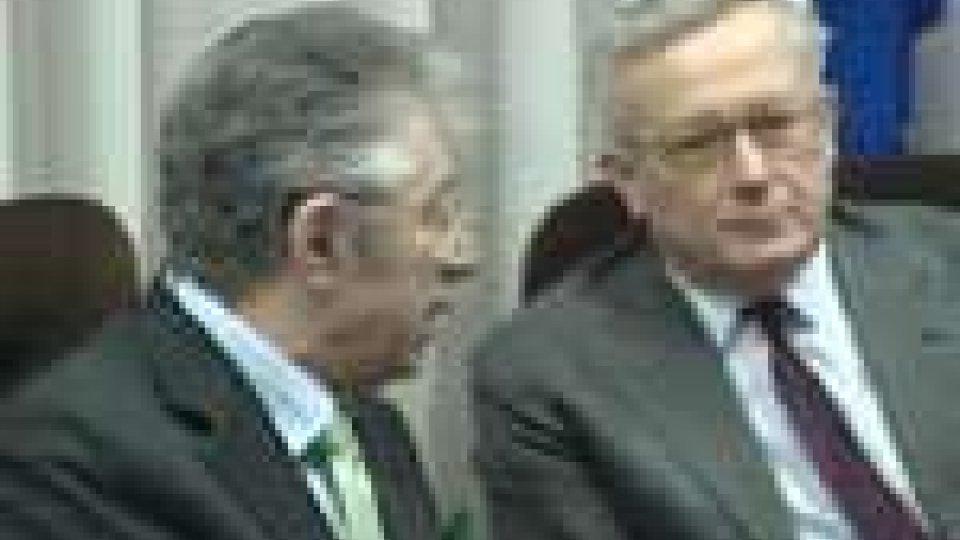 Politica italiana. Momento difficile per il ministro dell'Economia Tremonti