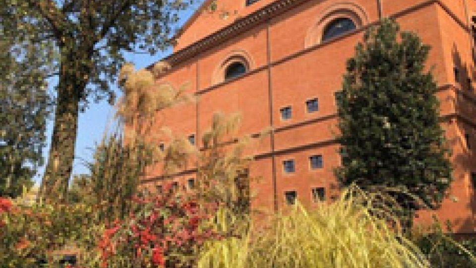 Nasce la Temporary green square la piazza tra Teatro e Castello si riscopre verde