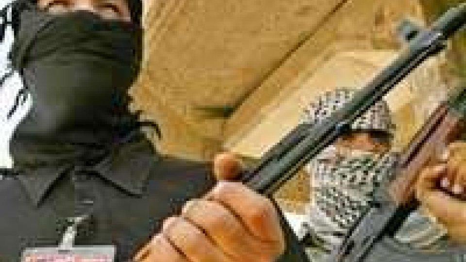 Cina: almeno 15 'terroristi' uccisi nel Xinjiang