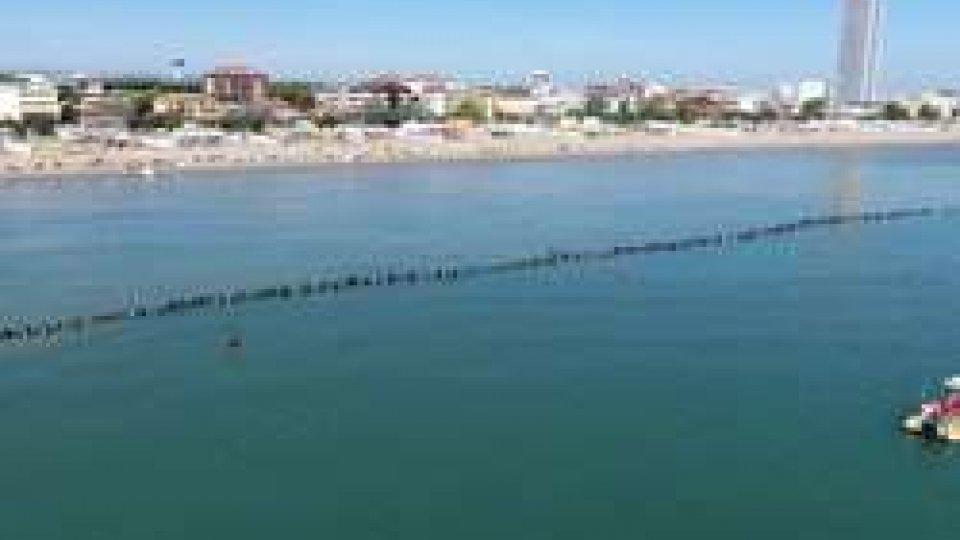 la più lunga catena umana sott'acqua del mondoPRIMATO '017 a CESENATICO: la più lunga catena umana sott'acqua del mondo