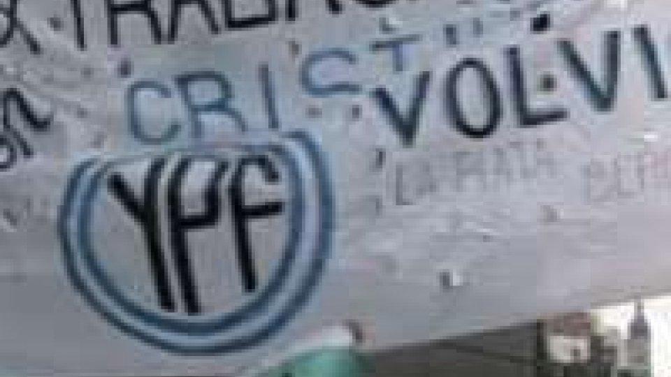 Argentina. Manifestanti in piazza su nazionalizzazione risorse petrolifere