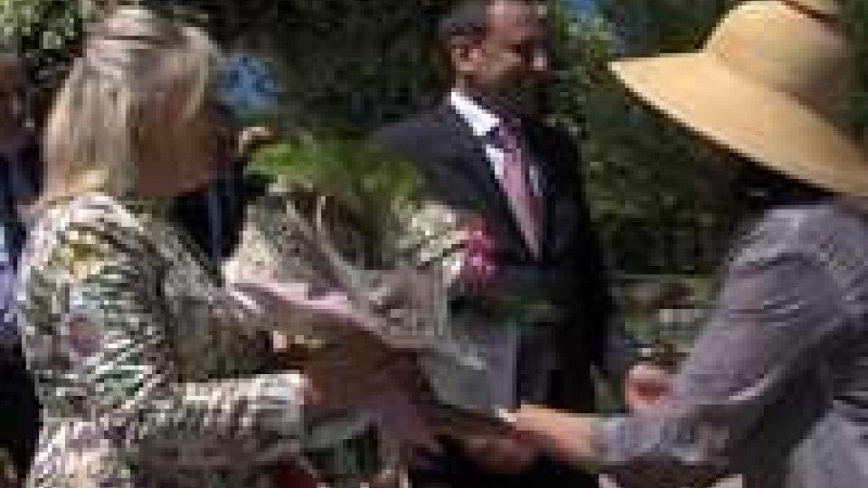 Florea 2014, anche la Reggenza al taglio del nastroFlorea 2014, anche la Reggenza al taglio del nastro della kermesse