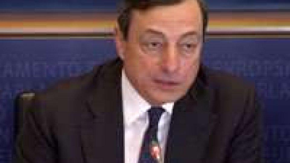 """Mario Draghi al Parlamento europeo: """"Governi siano più ambiziosi"""""""