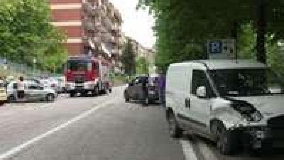 San Marino: incidente in via Napoleone Bonaparte, coinvolte 4 autoSan Marino: incidente in via Napoleone Bonaparte, coinvolte 4 auto