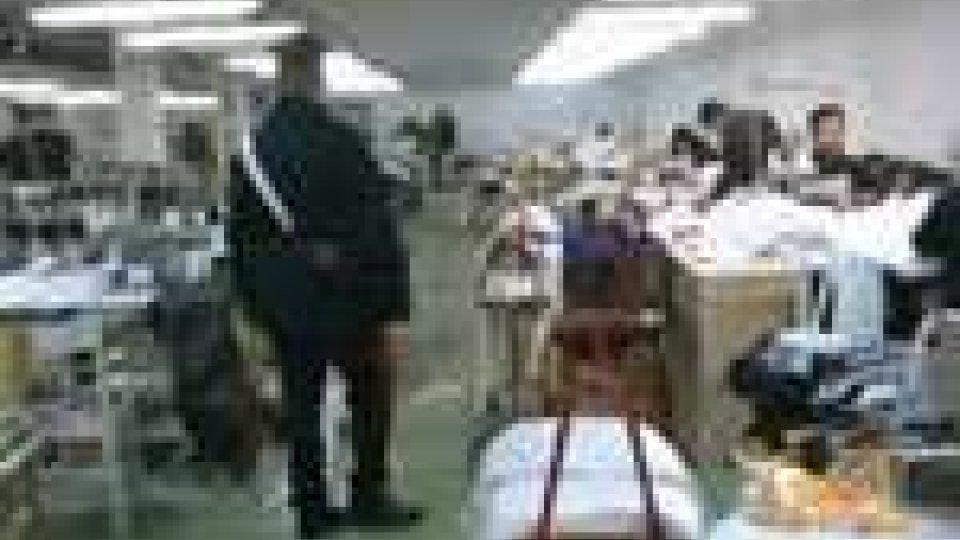 I carabinieri di Riccione scovano a Coriano un laboratorio di maglieria abusivoI carabinieri di Riccione scovano a Coriano un laboratorio di maglieria abusivo