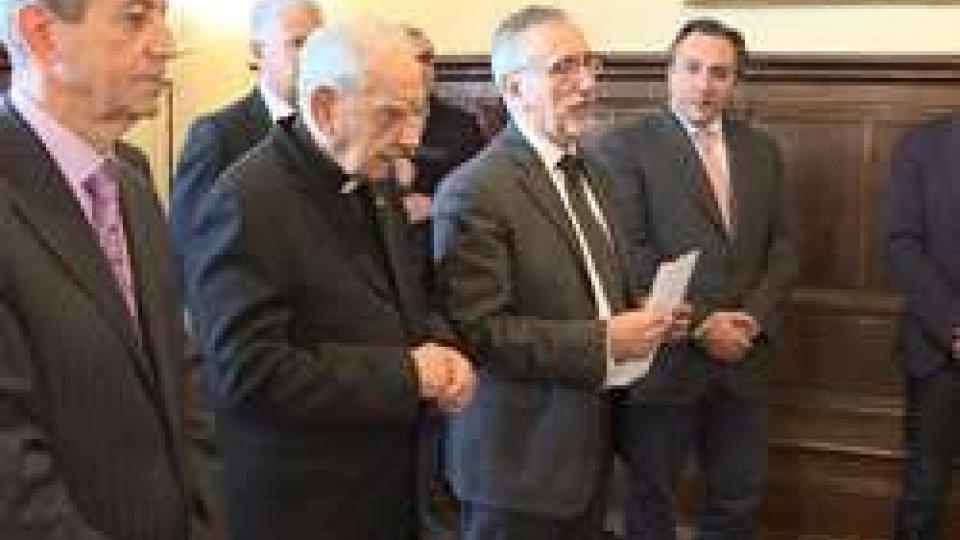 Don Giuseppe InnocentiniUdienza a Palazzo Pubblico di saluto per il parroco di Serravalle