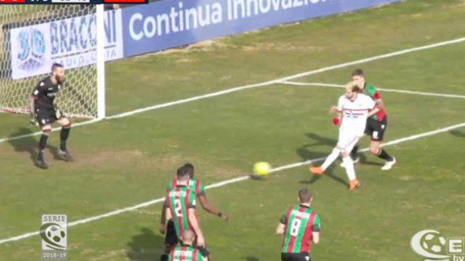 Ternana - Vis Pesaro 0-2La Ternana sprofonda, la Vis Pesaro risorge: 0-2