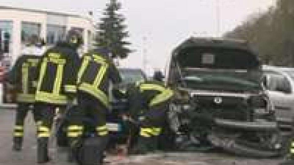 Incidente a Rimini: paura per donna incinta
