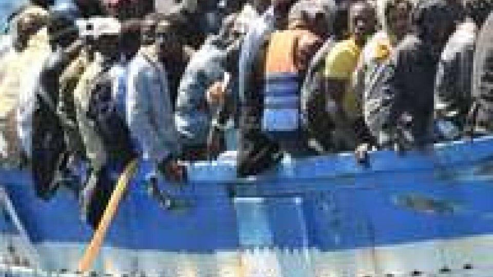 Lampedusa: sbarcati a Lampedusa 260 immigrati