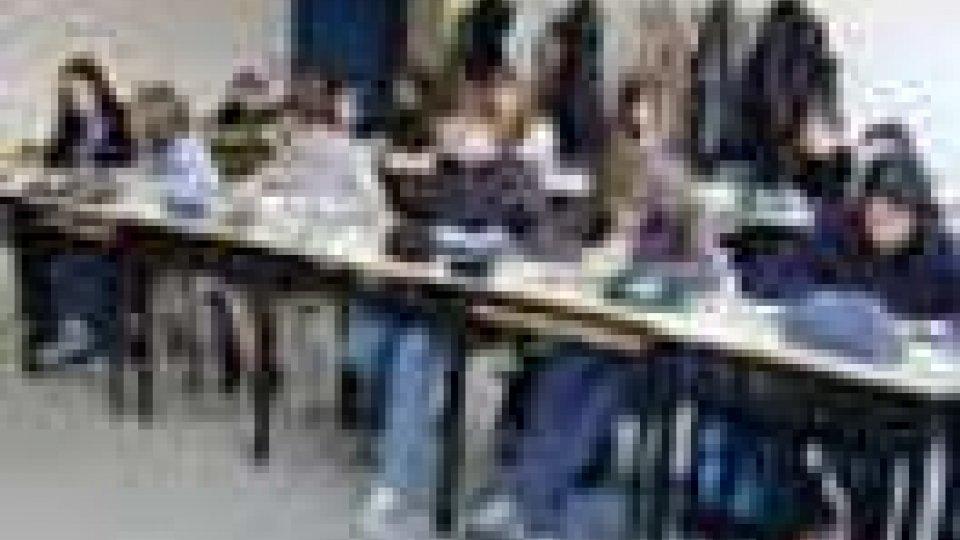 Prova di evacuazione alle scuole medie
