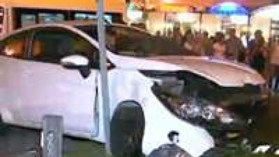 """Auto """"impazzita"""" in via Tripoli: crisi epilettica all'origine del sinistro"""