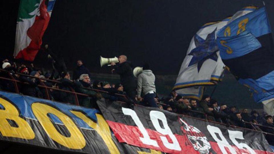 Calcio: Inter-Napoli, morto tifoso investito da van