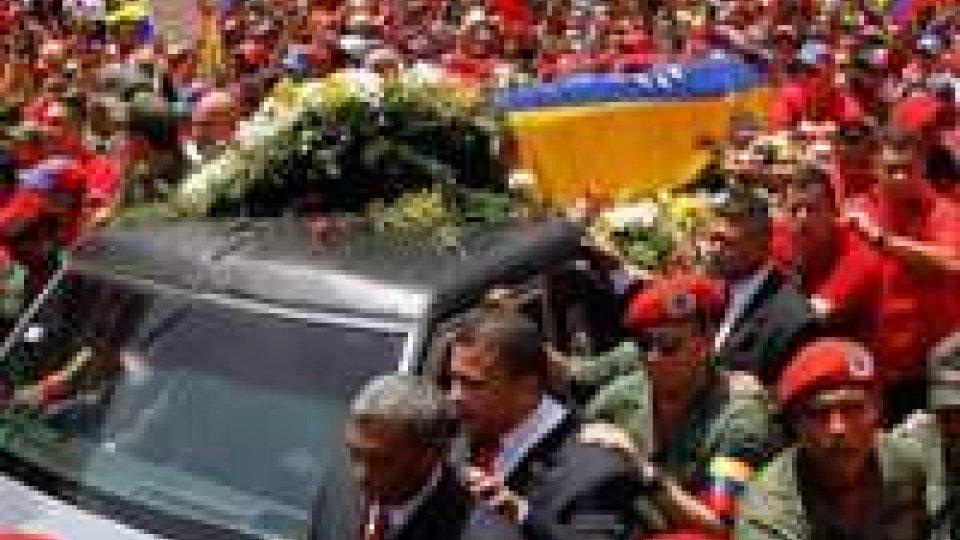 Chavez: feretro ad accademia militare, venerdì i funerali