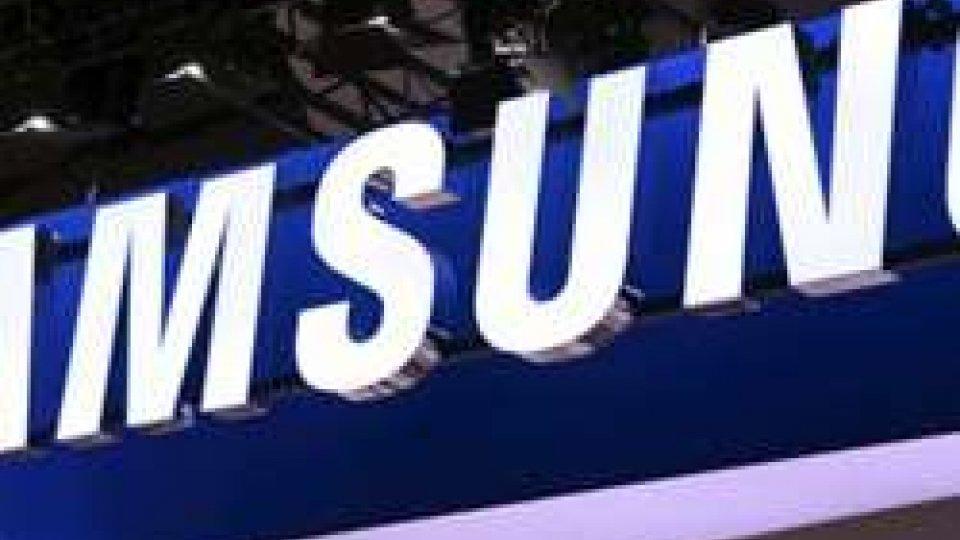Samsung: utili record, verso il primo sorpasso su aprile