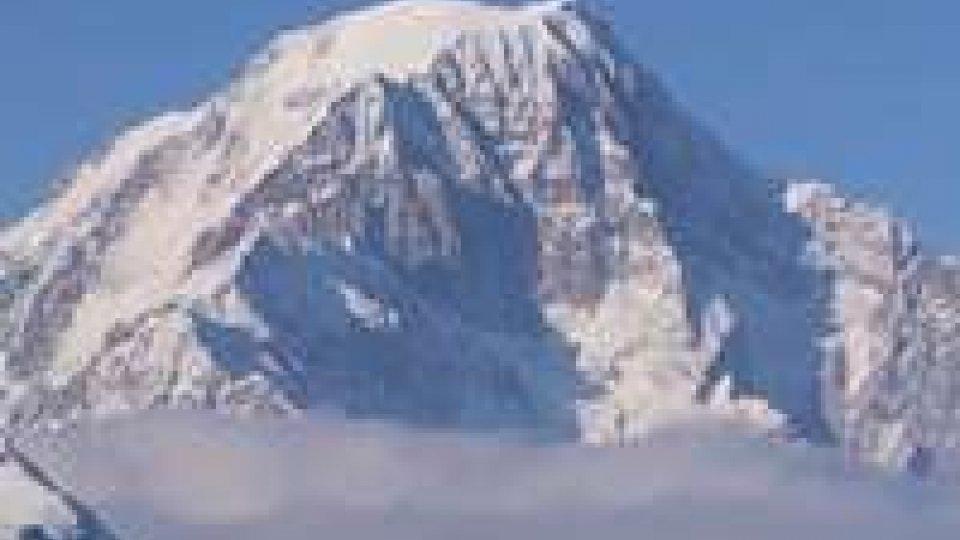 Valanga sul Monte Bianco: morte due italiane