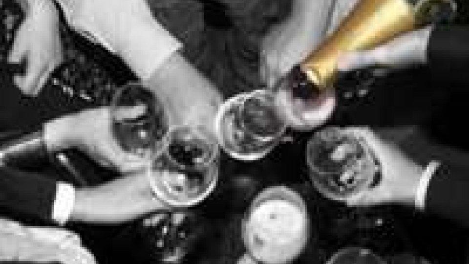 Usa: Maratona alcolica per Capodanno, 44 ore nonstop a bere