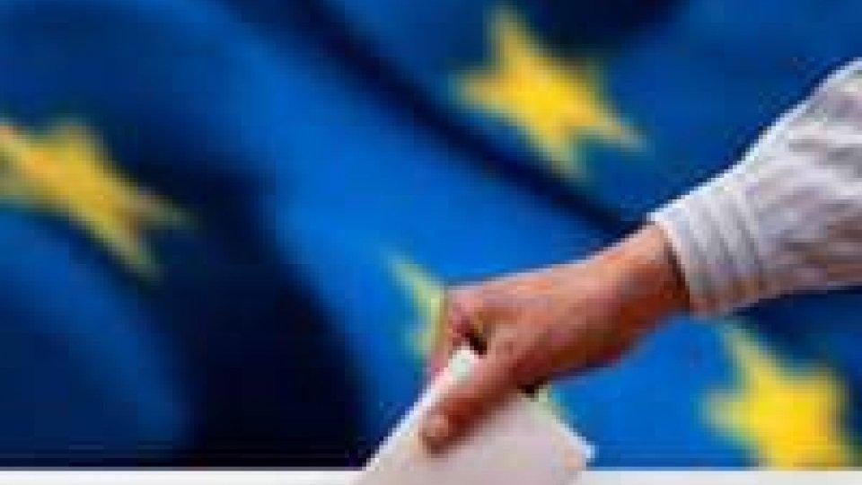 Ciclone euroscettico, primi Le Pen e Farange. Ue tiene, Popolari primo partito
