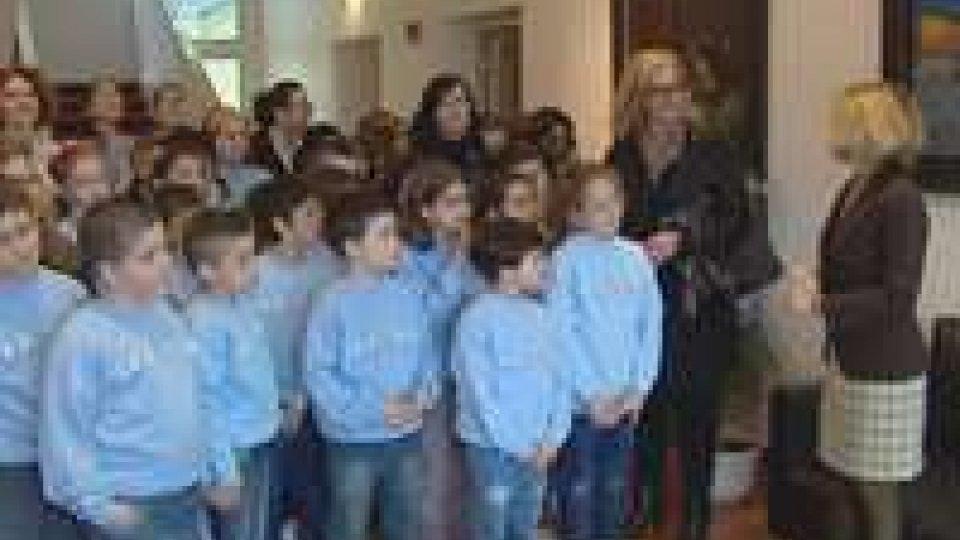 Gli studenti di III e V della scuola elementare 'La Roccia' di San Marino in visita all'Ambasciata d'ItaliaGli studenti di III e V della scuola elementare 'La Roccia' di San Marino in visita all'Ambasciata d'Italia