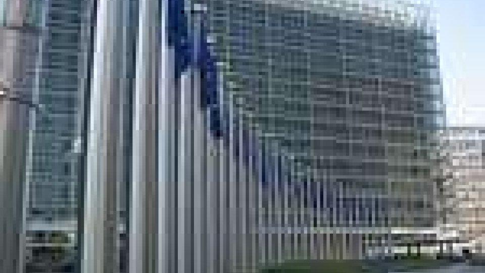 UE. Rimandata riunione su aiuti alla Grecia. Si auspica ad un governo Monti in salsa greca
