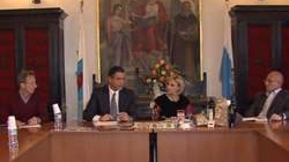 il Capitano Vittorio Brigliadori e il sindaco Annamaria CasiniSerravalle e Sulmona intensificano le relazioni per promuovere i rispettivi territori