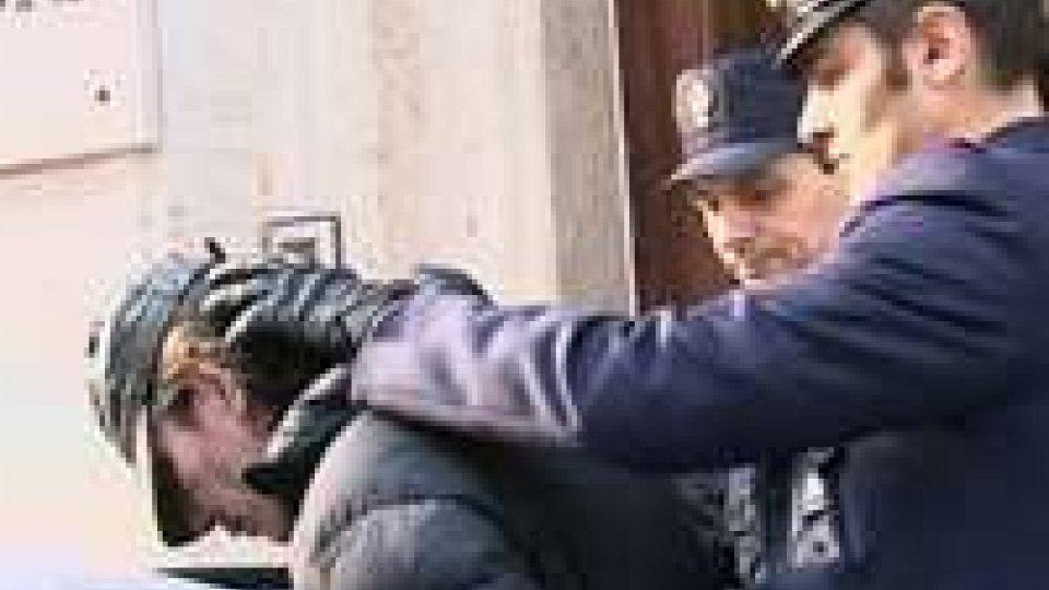 Rimini: arrestato lo scippatore seriale, è un 48enne napolatanoRimini: arrestato lo scippatore seriale, è un 48enne napolatano