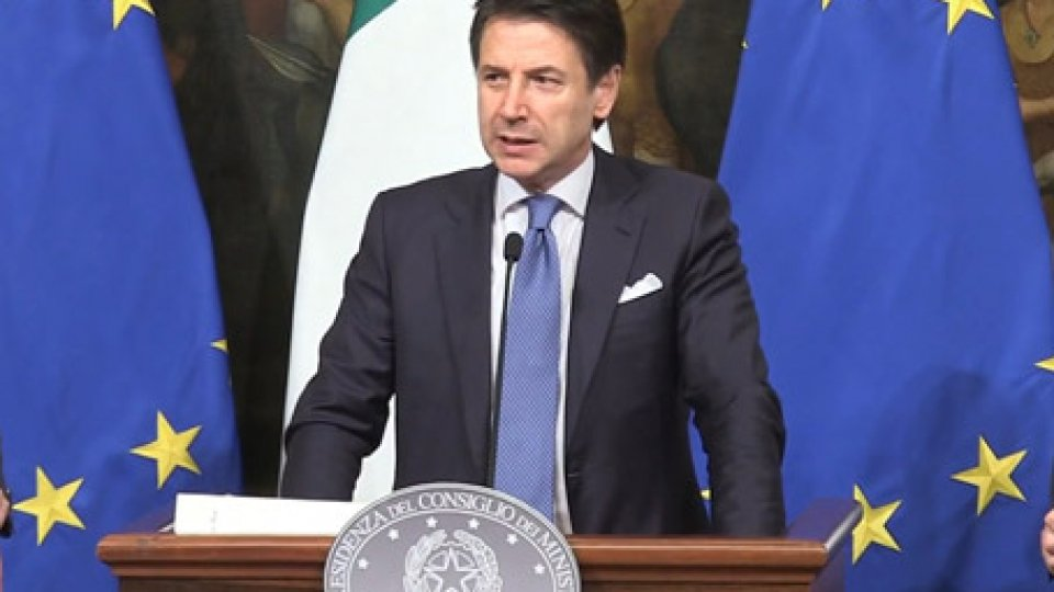 """Il premier Giuseppe ConteItalia in recessione, Conte: """"È l'eredità che ci ha lasciato il governo precedente"""""""