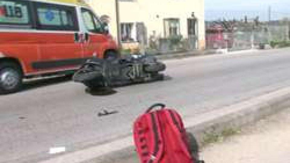 Rimini: brutto incidente in via Montescudo. Coinvolta una coppia a bordo di uno scooterone