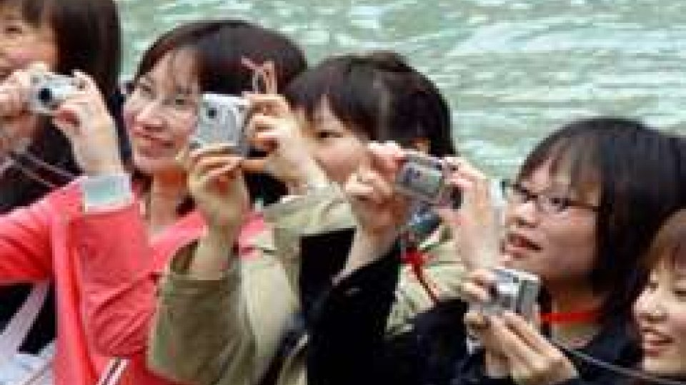 Turismo: aumentano visitatori stranieri, ma cala la spesa