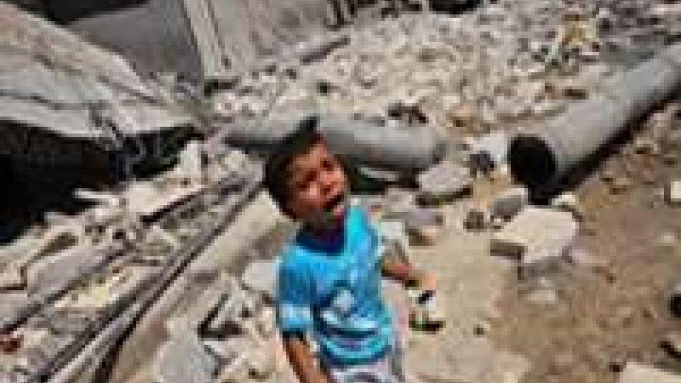 Siria: bombardata scuola, uccisi e feriti bimbi