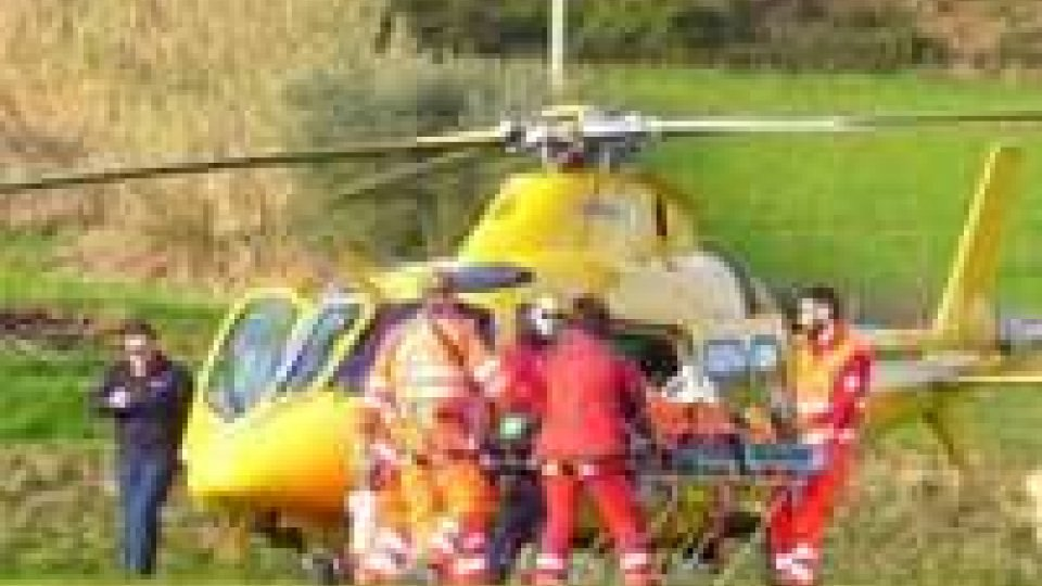 Urbino: 13enne si sente male sul campo di calcio, operato a Torrette