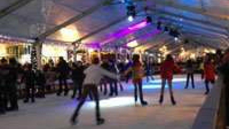 Saldi: Riccione inaugura la stagione alla mezzanotte del 2