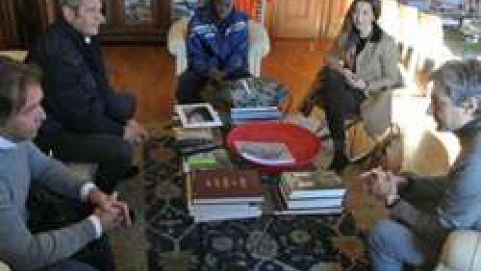 Rimetti in moto l'Africa: Gnassi incontra Cisse, senegalese a Rimini per protesi gambe in seguito a incidente