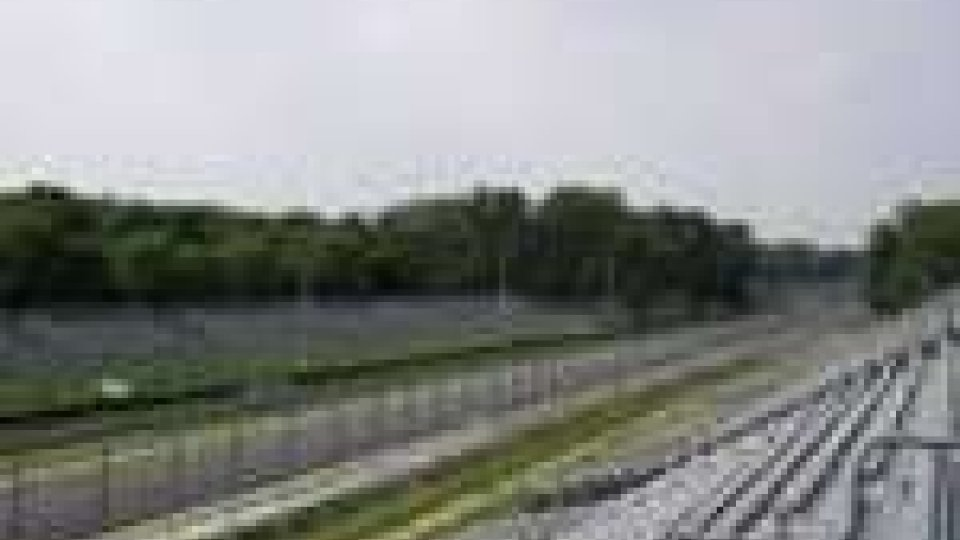 F1: rombano i motori a Monza