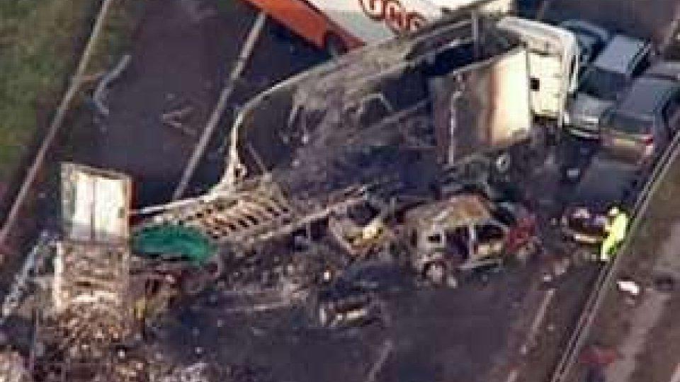 Mega incidente nel Somerest in Inghilterra: 12 morti