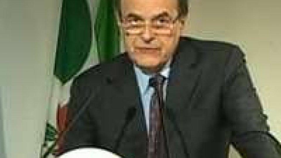 """Sfida di Bersani in 8 punti: """"tocca a noi, non c'è piano B"""""""